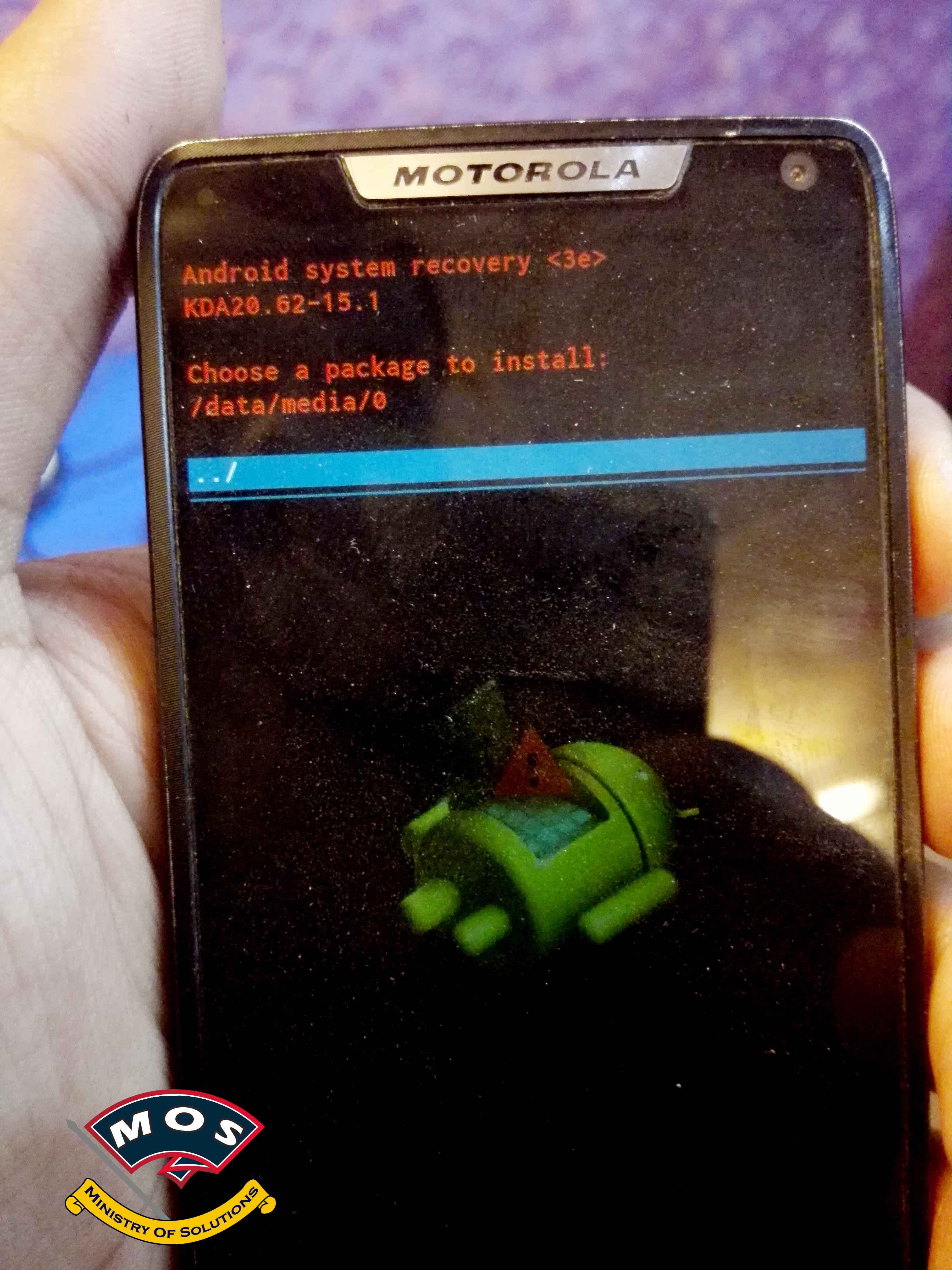 Solved]Motorola Razr M XT907 Black Screen With Green Light